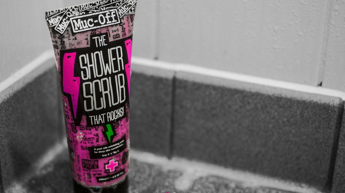 MUC-OFF Shower scrub 200 ml - Hårshampoo