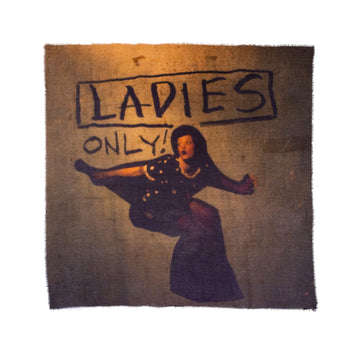 Talking Walls ela single face single face square scarf ladies only