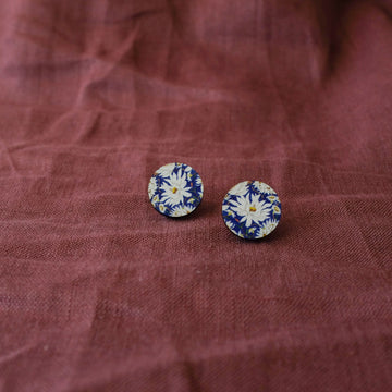 Wood Stud Earrings: Everlasting Daisy on Blue