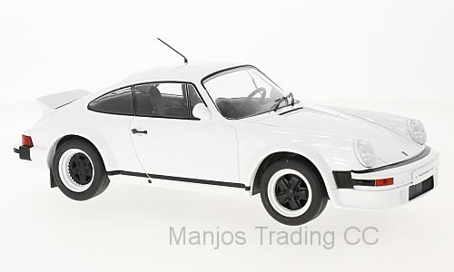18CMC007 - 1982 PORSCHE 911 RACE VERSION WHITE