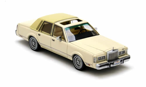 NEO43545 - 1982 LINCOLN TOWN CAR BEIGE