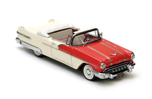 NEO44061 - 1956 PONTIAC STARCHIEF HT COUPE RED/WHITE