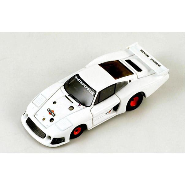 87S014 - PORSCHE 935 MOBY DICK TEST WHITE