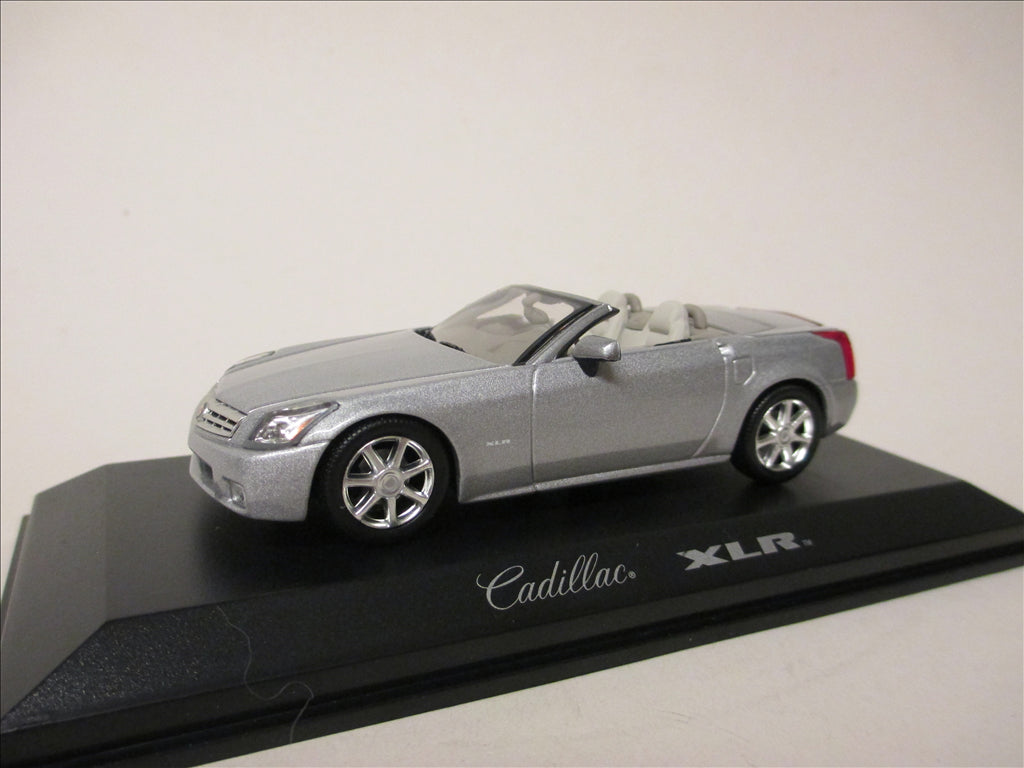 NOR910001 - CADILLAC XLR LIGHT PLATINIUM