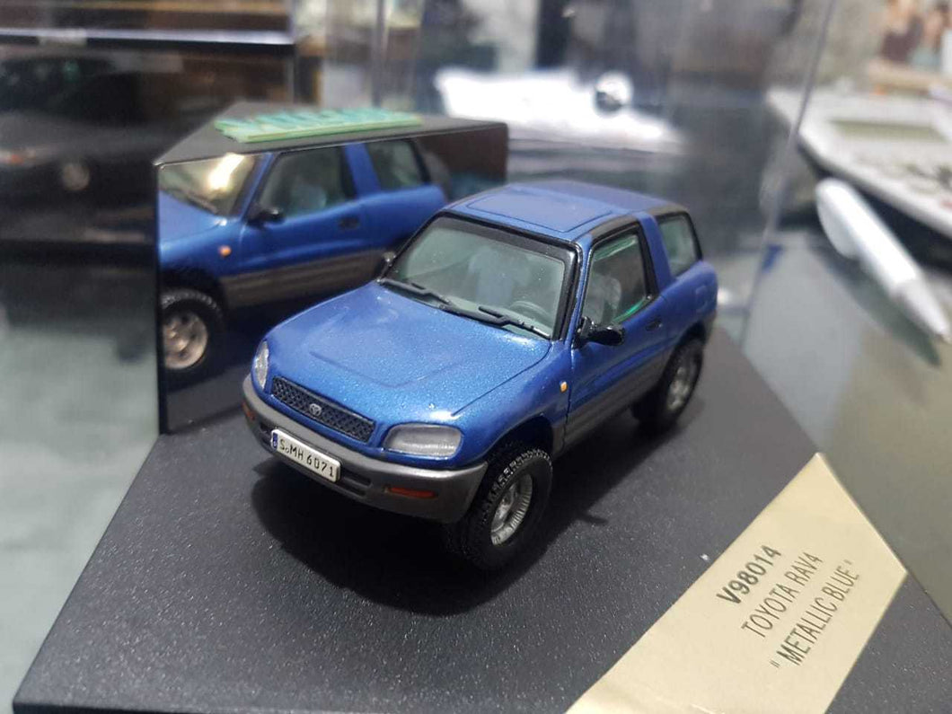 V98014 - TOYOTA RAV4 METALLIC BLUE