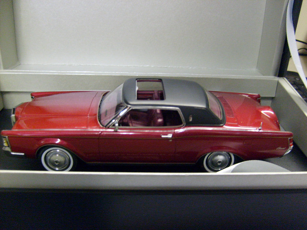 AM24-LIN-CMIII - 1971 LINCOLN CONTINENTAL MKIII RED