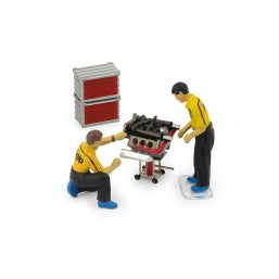 F092 - FERRARI MECHANICAL PIT CREW (ENGINE DIORAMA SET)