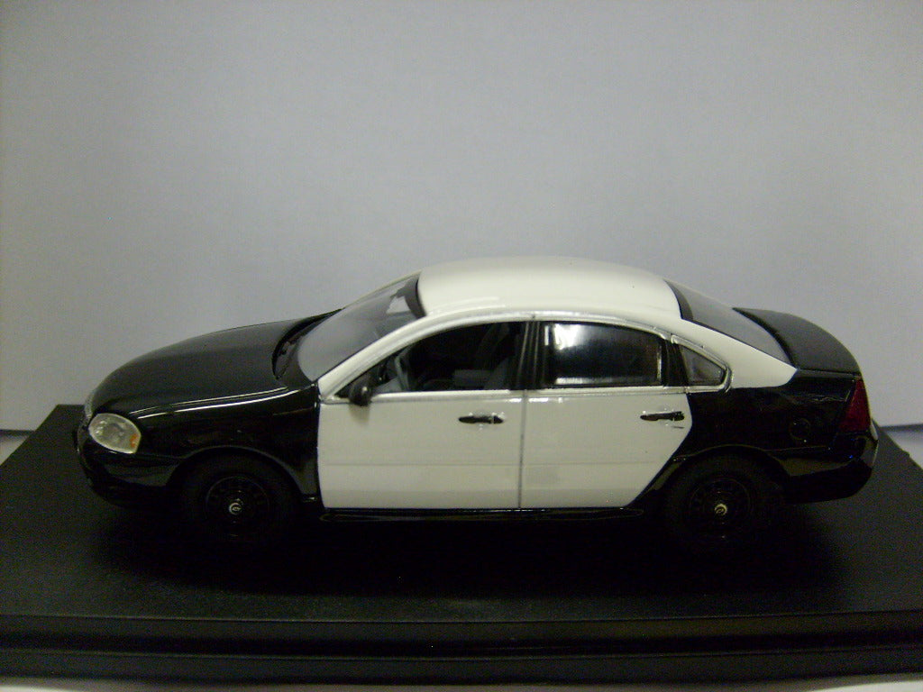 IMP002 - 2011 CHEVROLET IMPALA BLACK AND WHITE POLICE