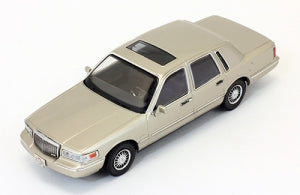 PRD102 - LINCOLN TOWN CAR 1996 CHAMPAGNE