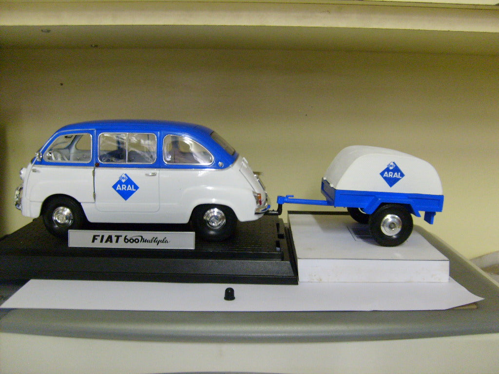 UR74303 - 1956 FIAT 600D MULTIPLA WITH TRAILER AND ARAL LOGO