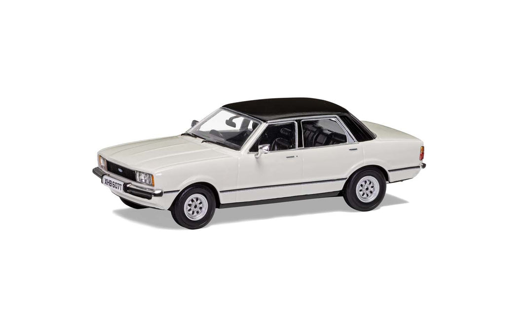 VA11913 - CORTINA MKIV WHITE WITH BLACK TOP