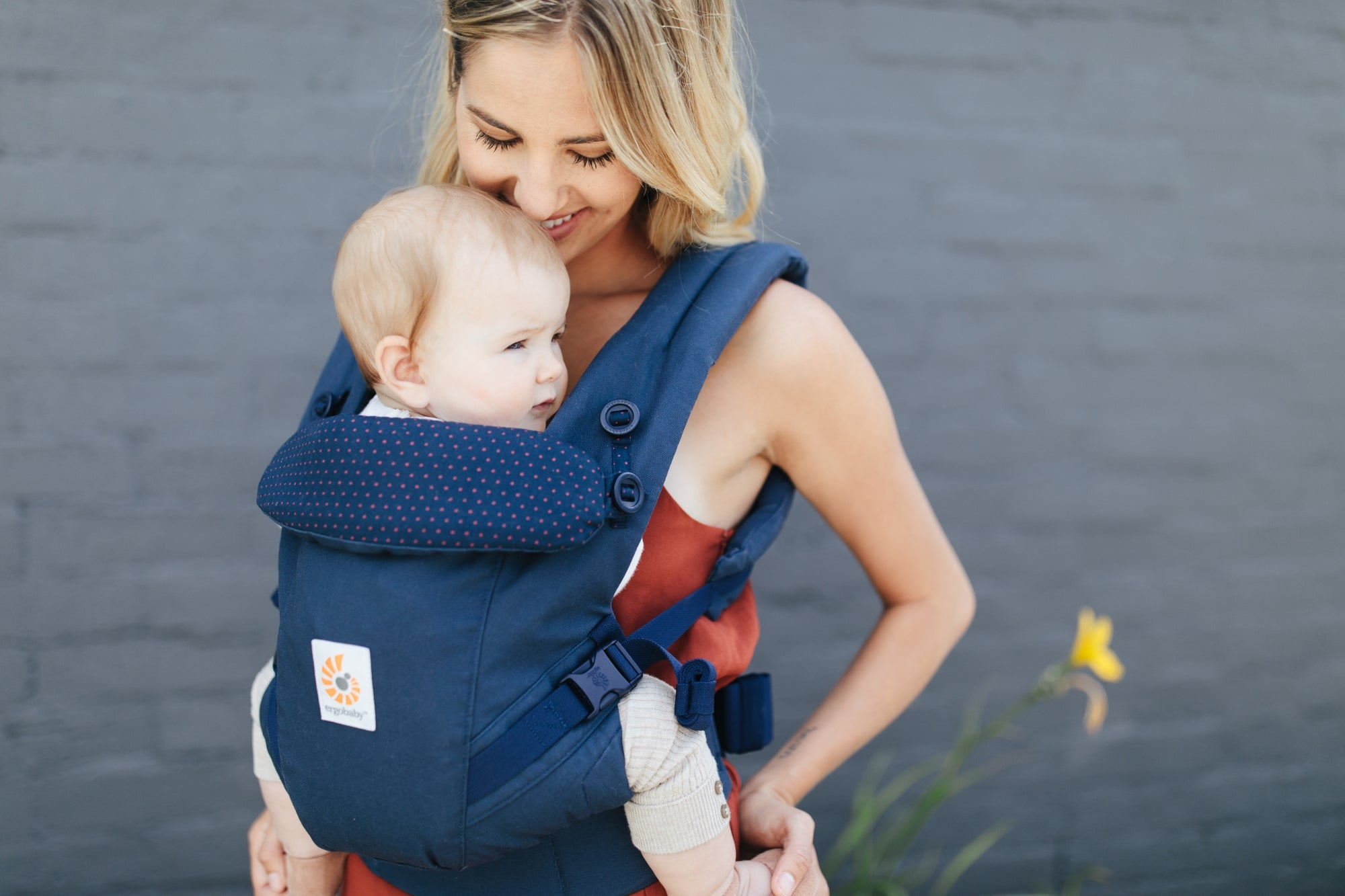 Ergobaby Bæresele Navy Mini Dots