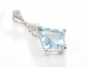 AN AQUAMARINE OF 2.39CTS AND DIAMOND PENDANT, IN 18CT WHITE GOLD