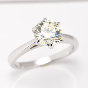 2.01 Carat Engagement Ring Classic Six-Claw 18 Carat White Gold