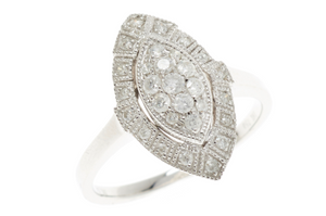 AN 18CT WHITE GOLD DECO STYLE DIAMOND DRESS RING