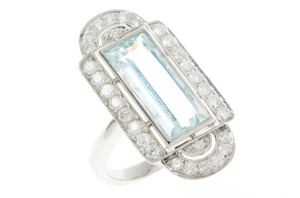 AN ART DECO STYLE AQUAMARINE AND DIAMOND COCKTAIL RING