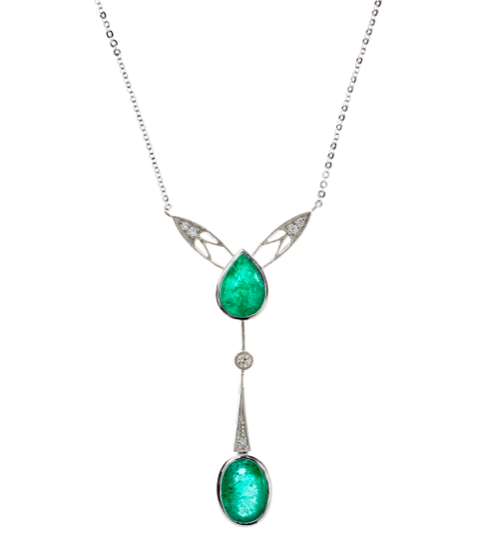 AN ART NOUVEAU INSPIRED EMERALD AND DIAMOND NECKLACE