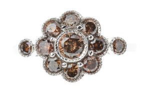 AN 18CT WHITE GOLD DIAMOND FLORAL CLUSTER RING