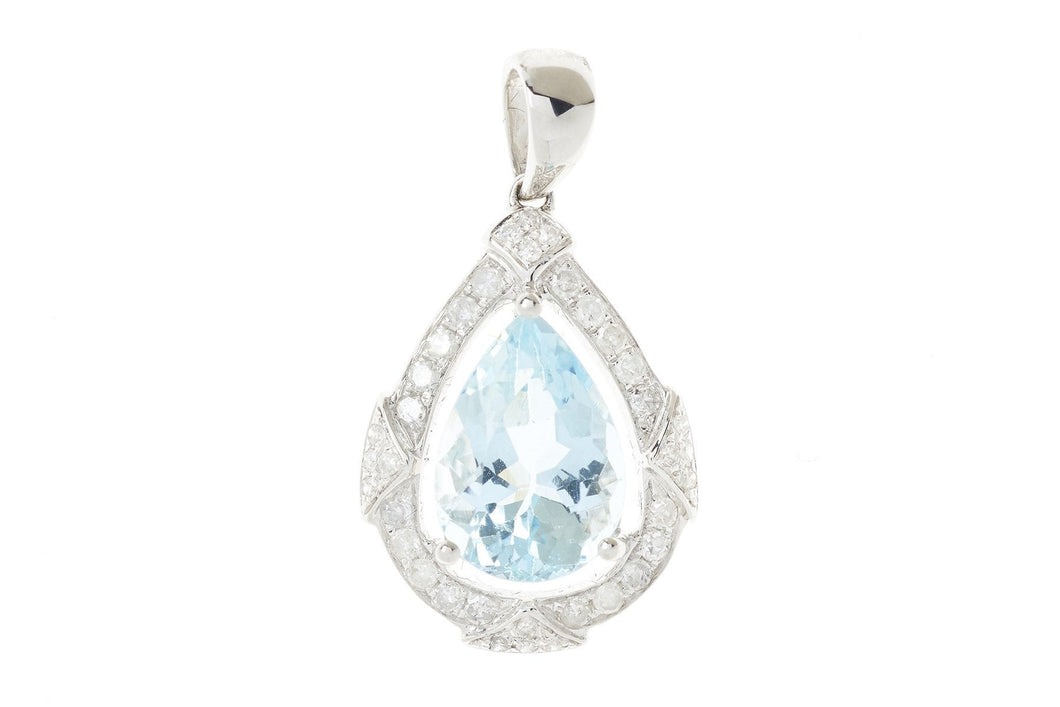 AN 18CT WHITE GOLD AQUAMARINE AND DIAMOND PENDANT