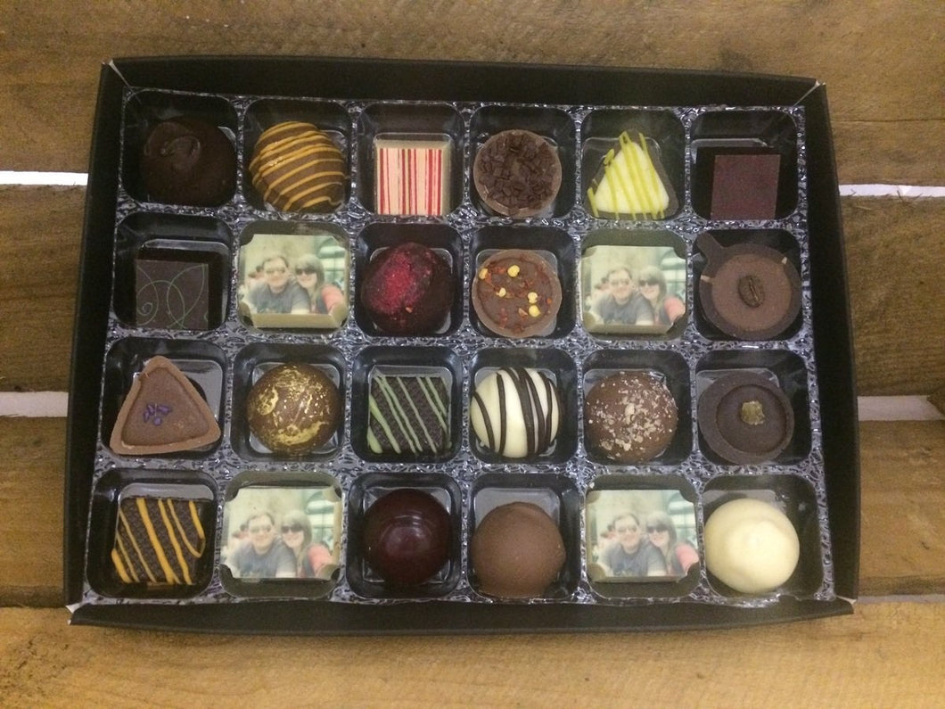 24 CHOCOLATE BOX WITH 4 PICTURE OR LOGO CHOCOLATES