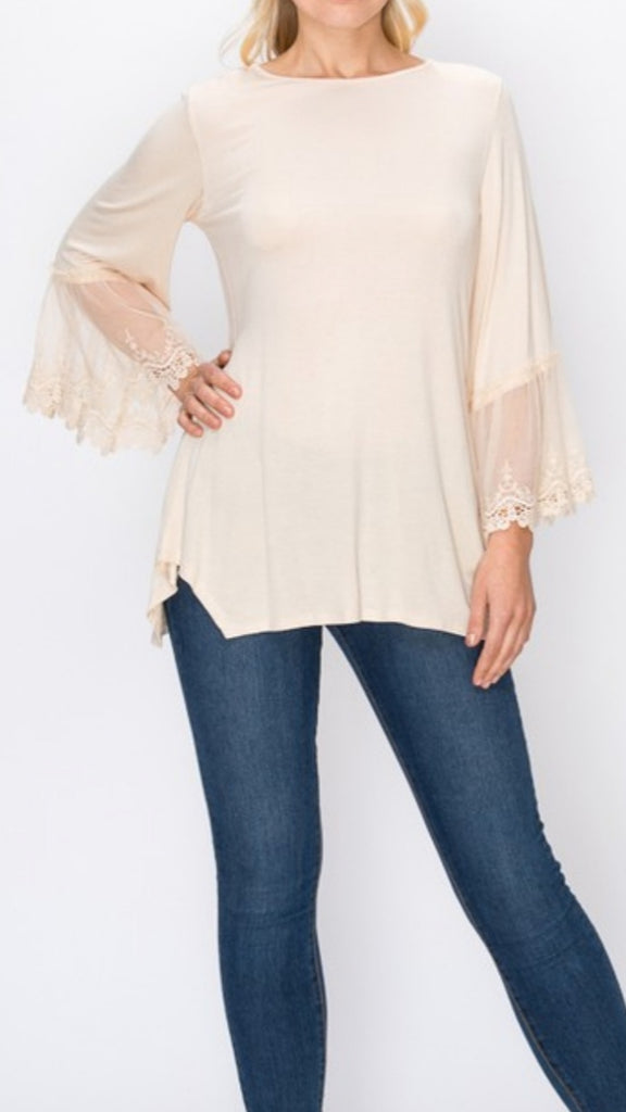 CREAM TOP WITH LACE