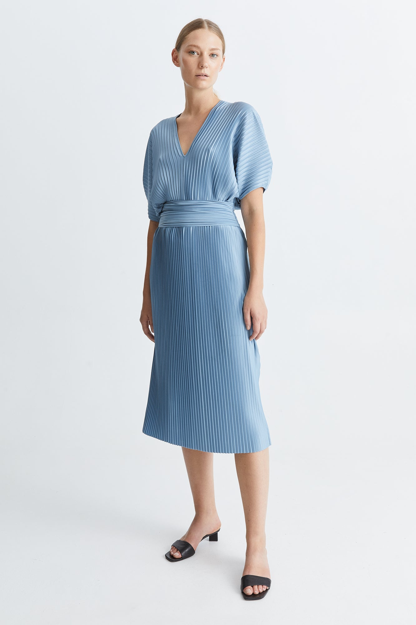 ITACHI DRESS - LIGHT BLUE