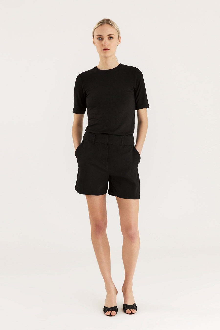 BOCA SHORTS - BLACK Trousers Stylein
