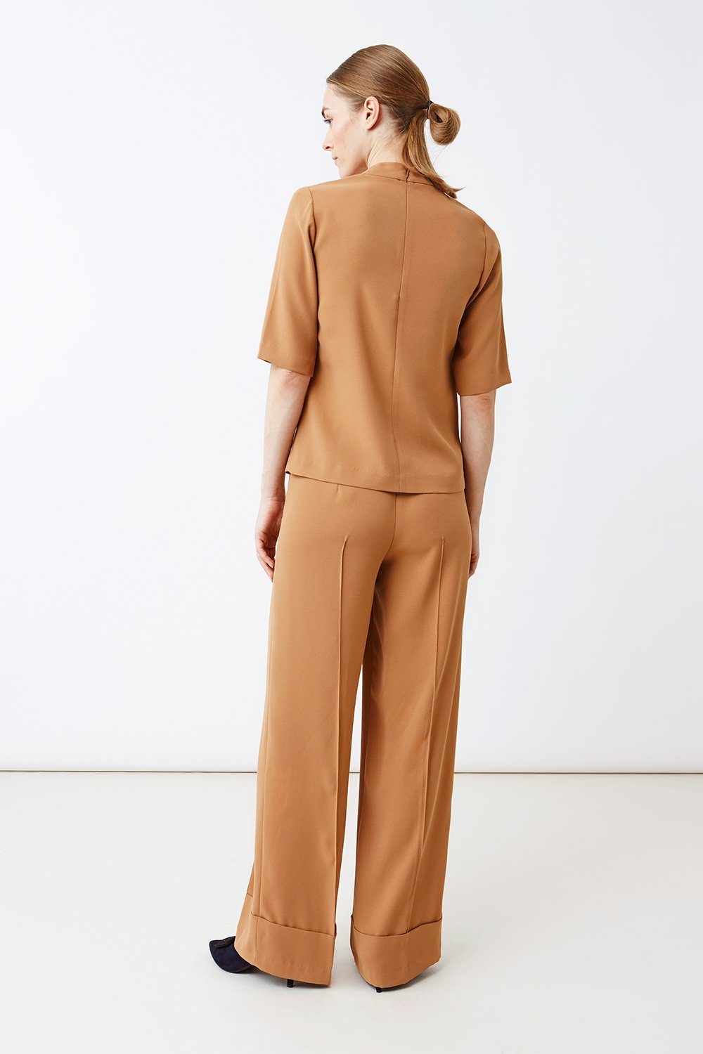 BOGAR TROUSERS - CAMEL Trousers Stylein