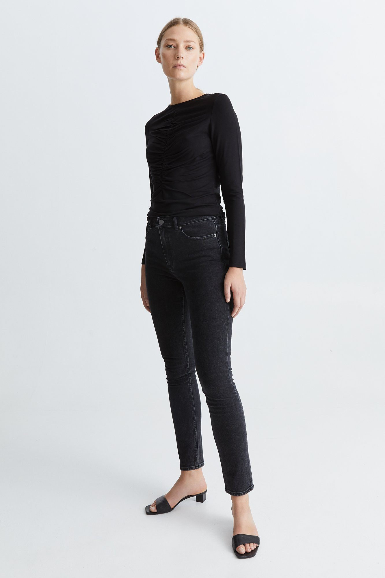 CATHY TOP - BLACK Top Stylein