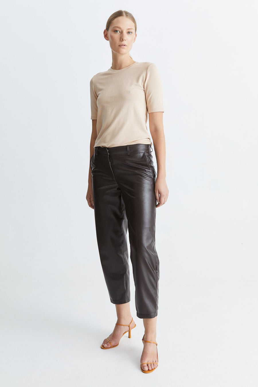 CHAMBERS TOP - NUDE Top Stylein