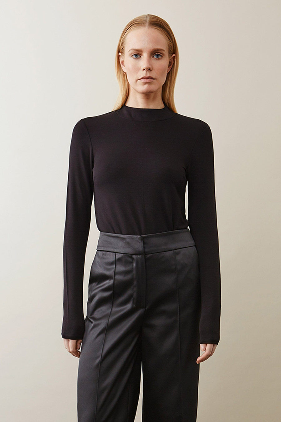 CHRISTY TOP - BLACK Top Stylein