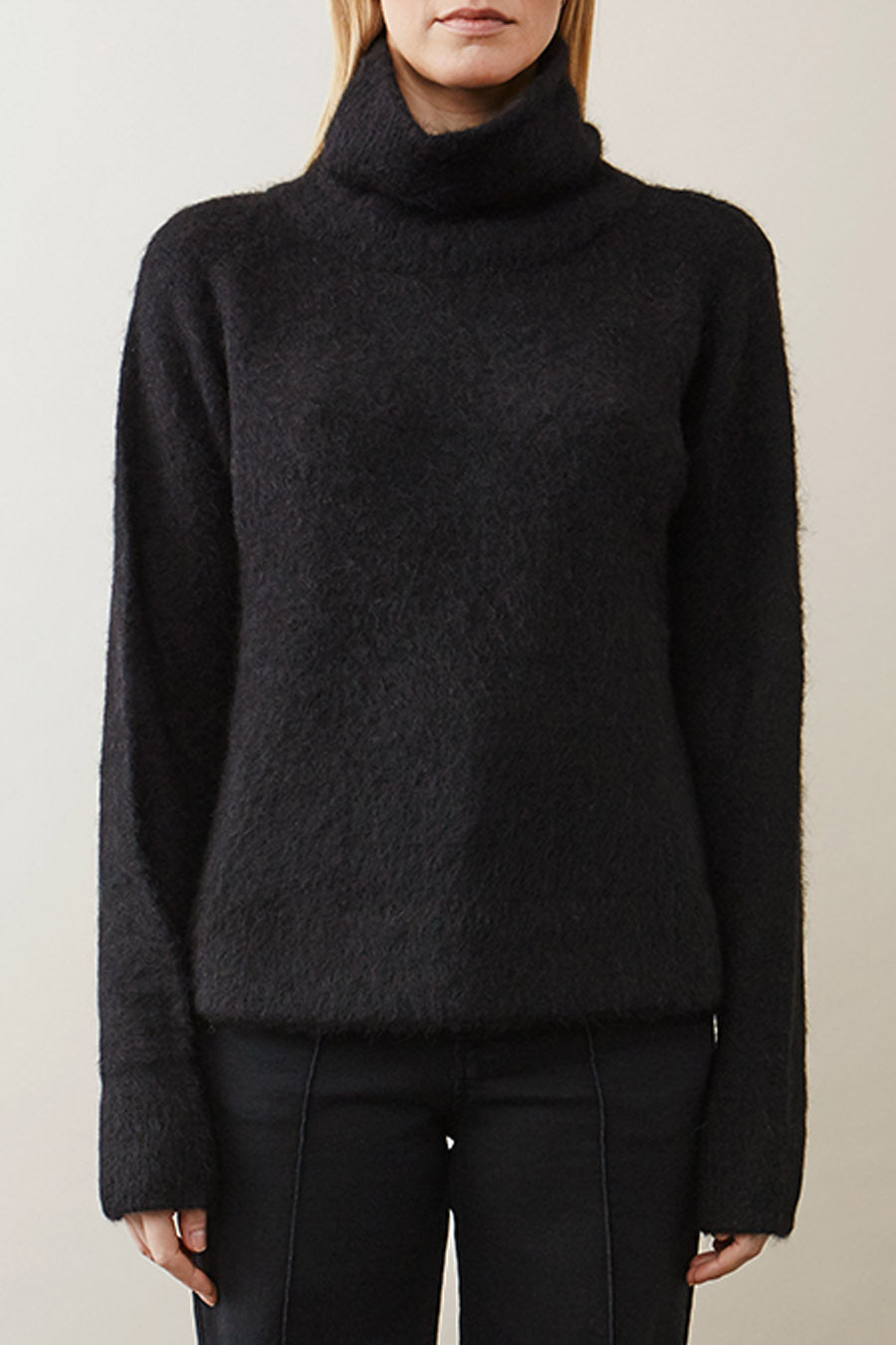 ELBE SWEATER - BLACK