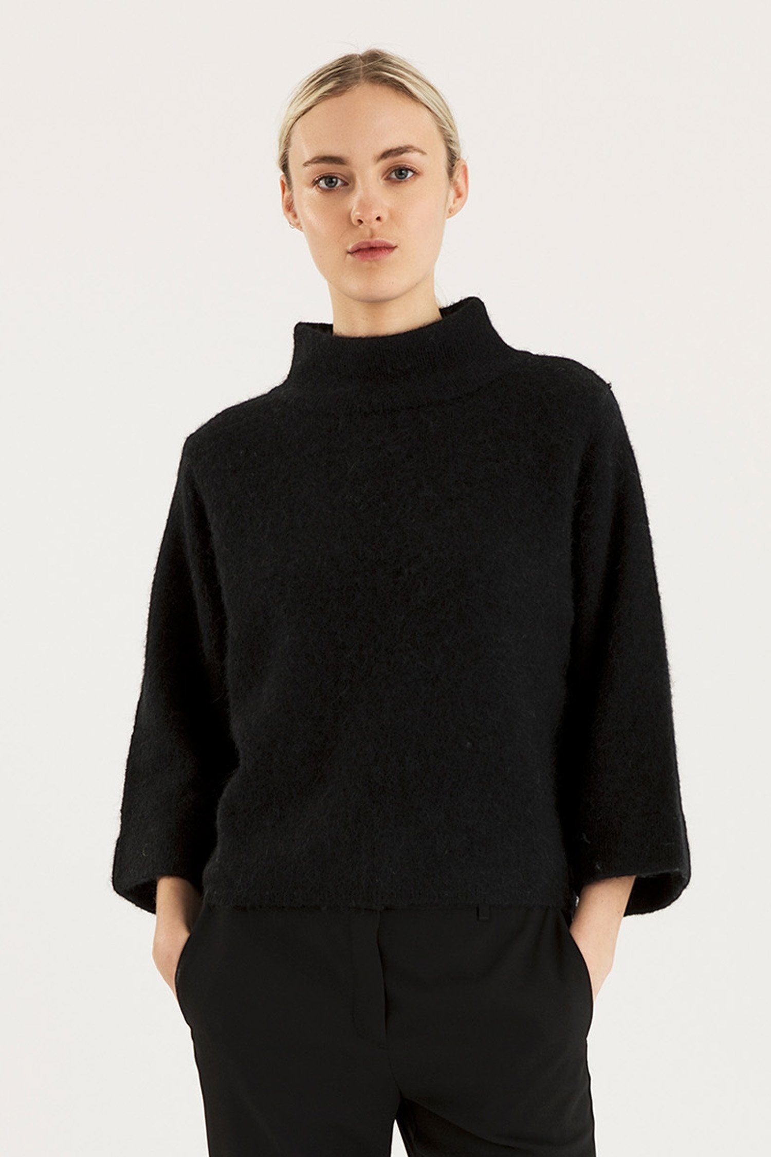 ELITA SWEATER - BLACK Sweater Stylein