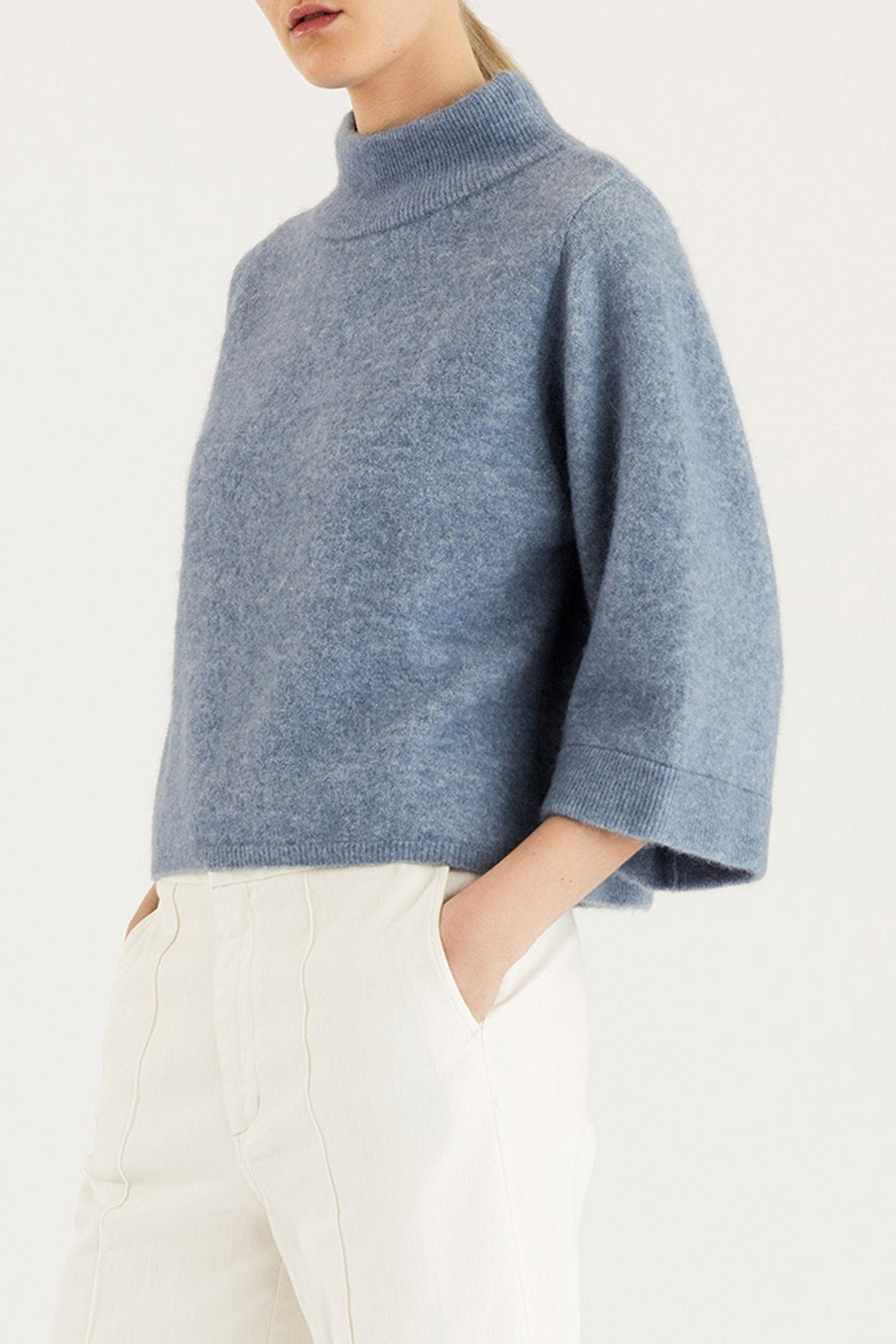 ELITA SWEATER - LIGHT BLUE Sweater Stylein
