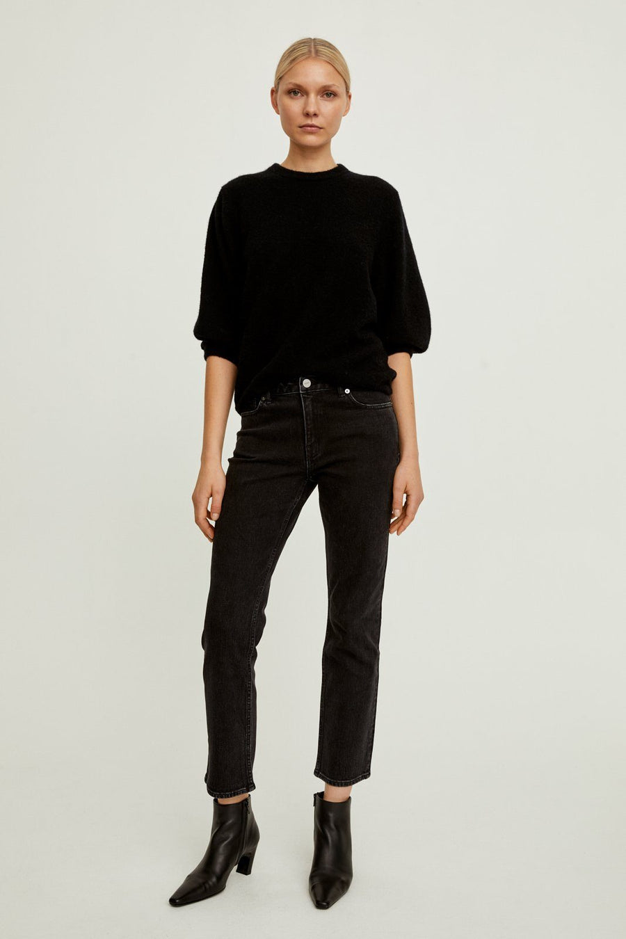 ELLA SWEATER - BLACK Sweater Stylein