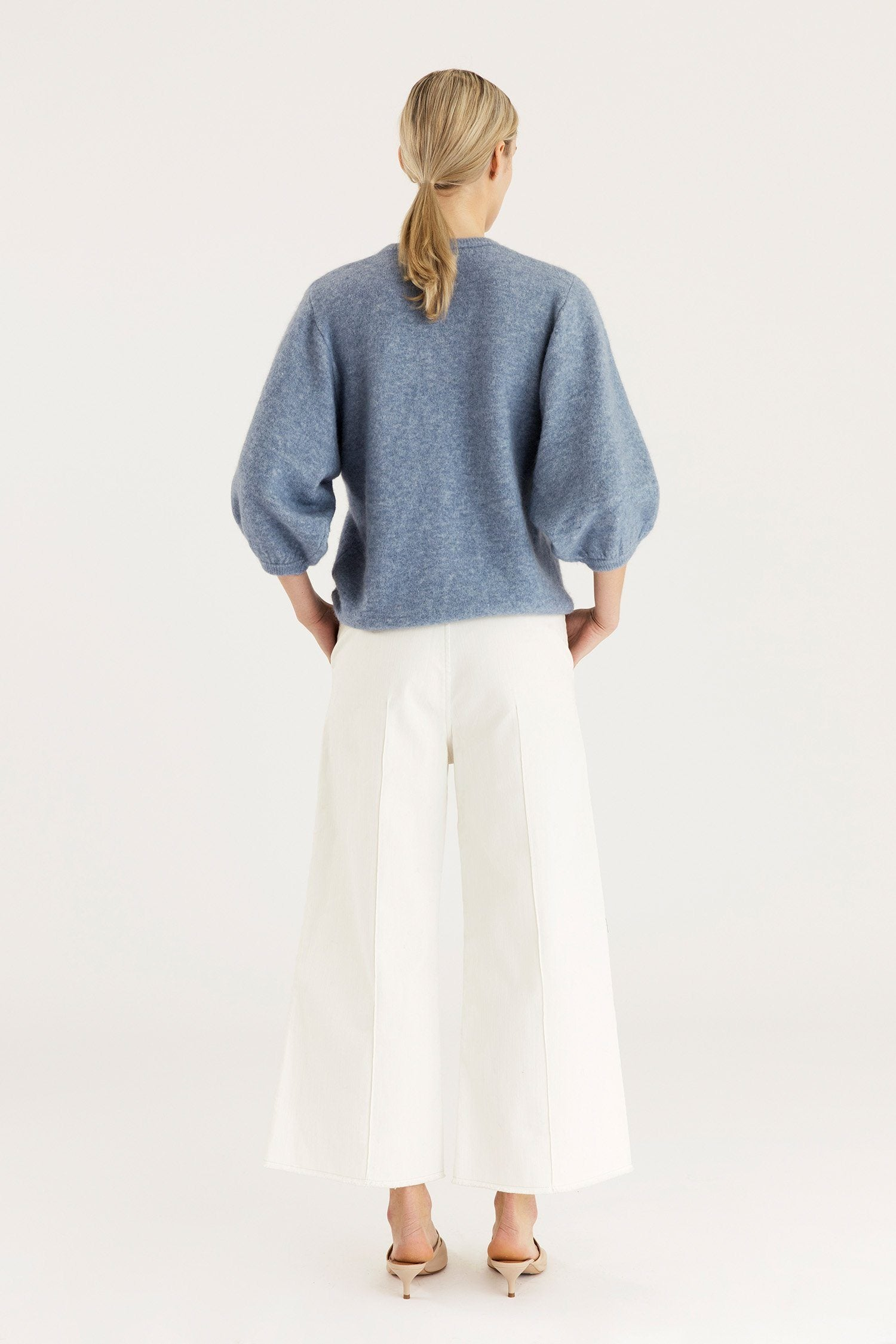 ELLA SWEATER - LIGHT BLUE Sweater Stylein