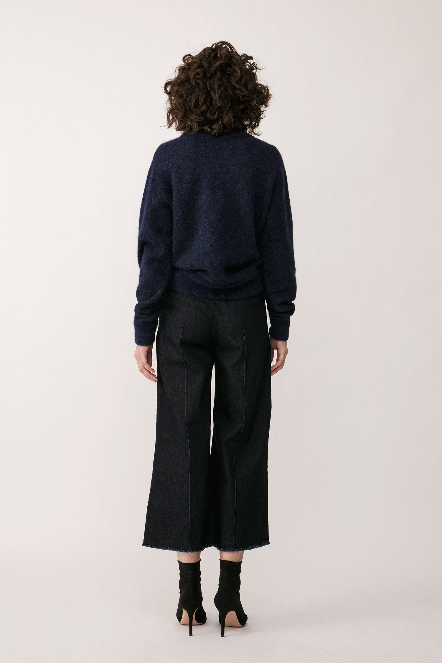 ELLERY SWEATER - NAVY Sweater Stylein