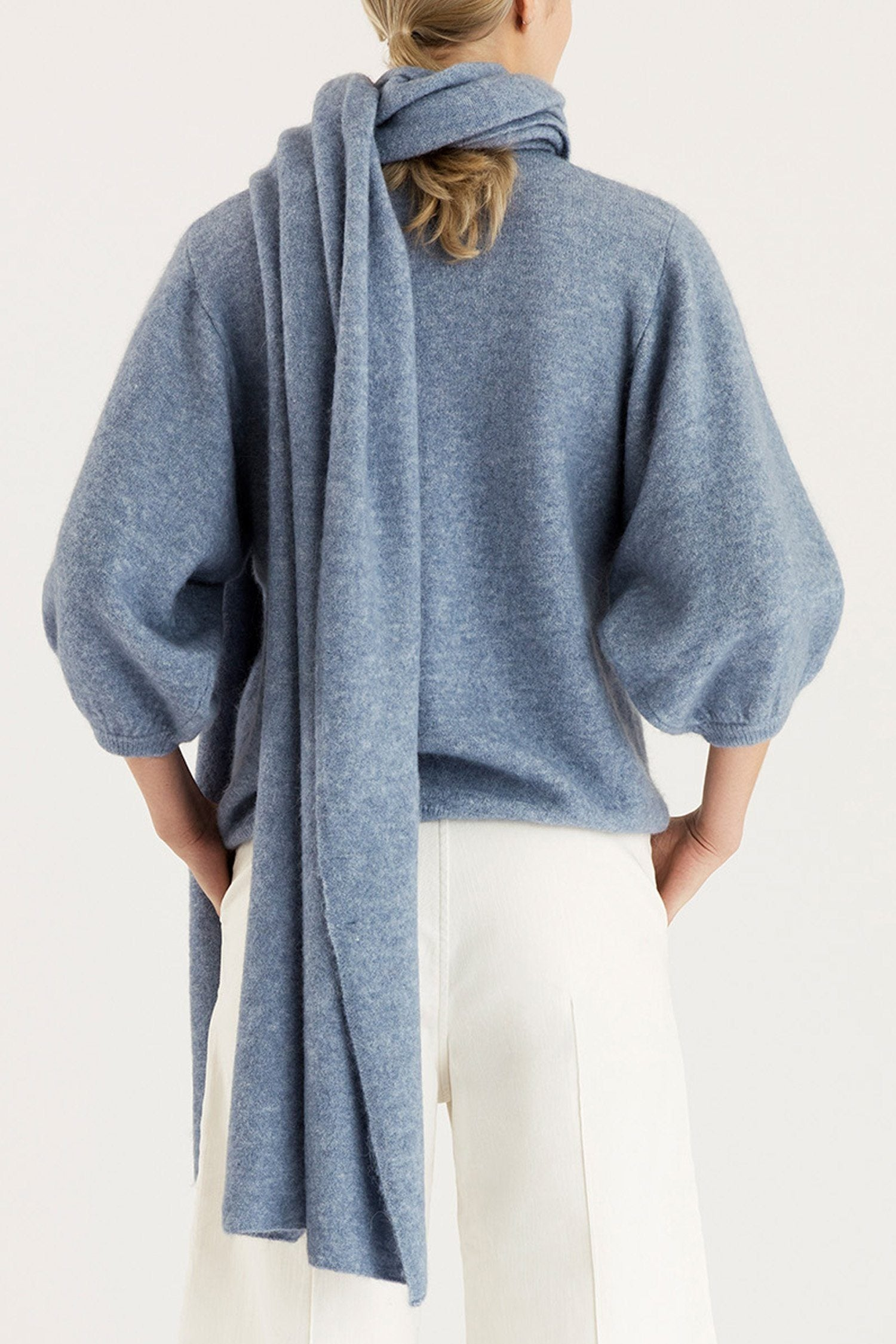 ELSA SCARF - LIGHT BLUE Sweater Stylein