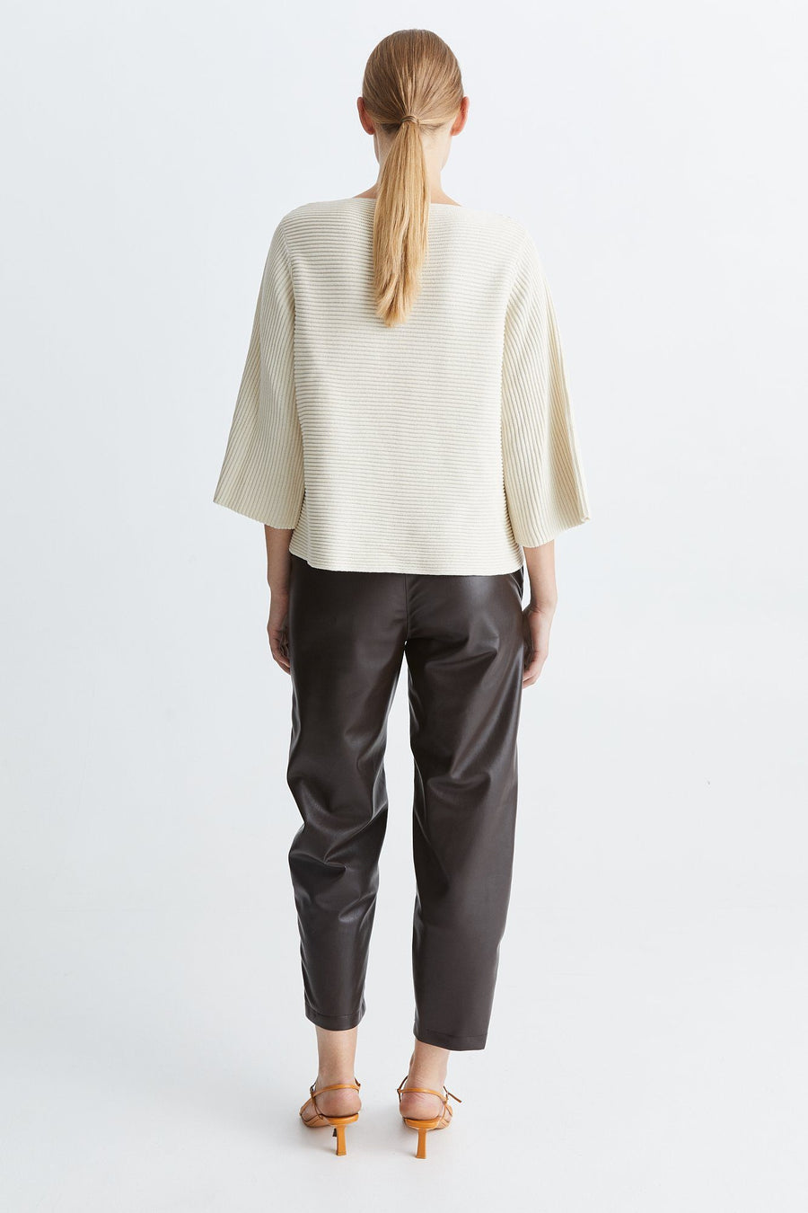 RITA SWEATER - OFF WHITE Sweater Stylein