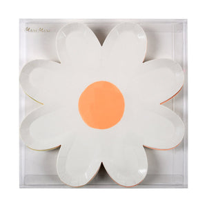 These daisy paper plates come in six colors, with different colored middle details for a wonderful effect