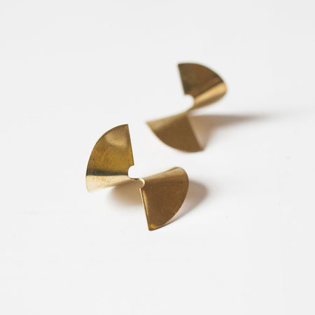Kit Cat Stud Earrings in Gold
