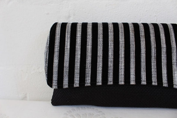 SILVER BLACK STRIPED STRAW VELVET CLUTCH BAG PURSE