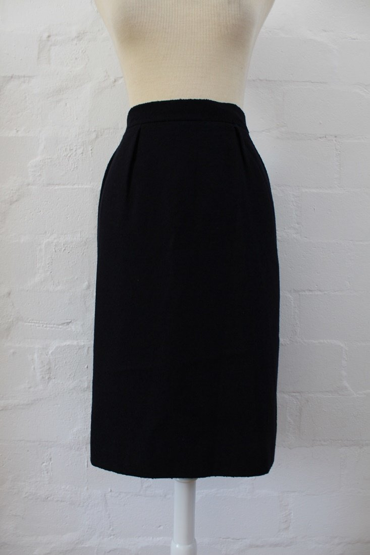 VINTAGE BOUCLE KNIT NAVY BLUE HIGH WAIST A-LINE SKIRT - SIZE 8