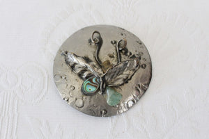 VINTAGE BUTTERFLY SILVER TONE LARGE ROUND BROOCH PIN