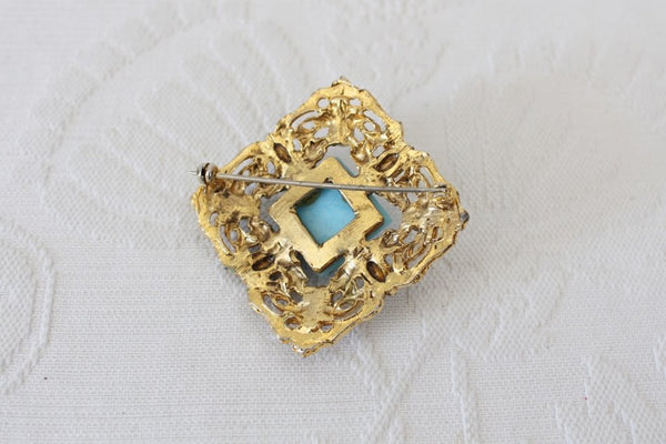 VINTAGE GOLD PLATED BLUE RHINESTONE FAUX PEARL COSTUME BROOCH PIN