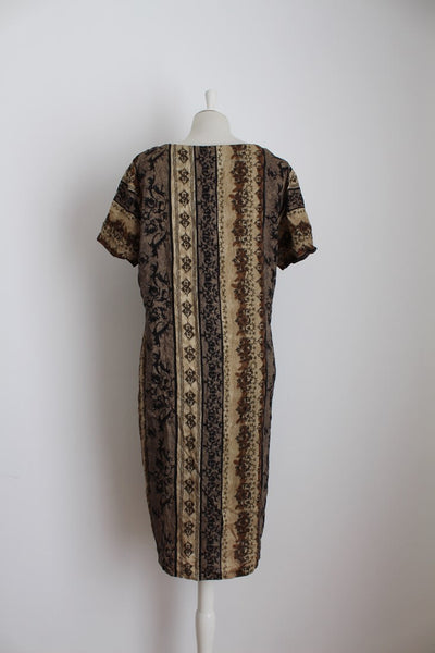 VINTAGE BROWN PRINTED BUTTON DOWN DAY DRESS - SIZE 18