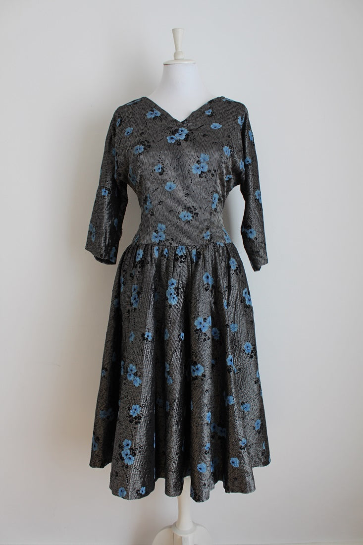 VINTAGE SILVER BLUE FLORAL BROCADE COCKTAIL FORMAL DRESS - SIZE 12
