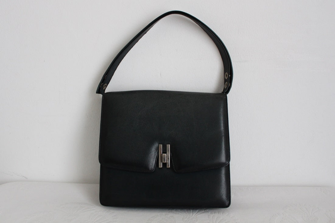 VINTAGE GENUINE LEATHER NAVY SHOULDER HANDBAG