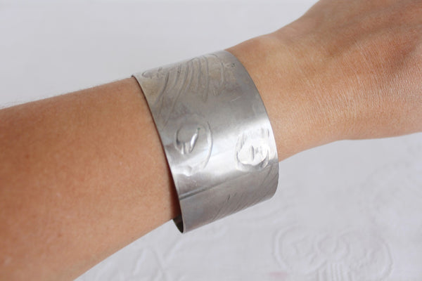 VINTAGE ETCHED SILVER PLATED BRASS CUFF BANGLE