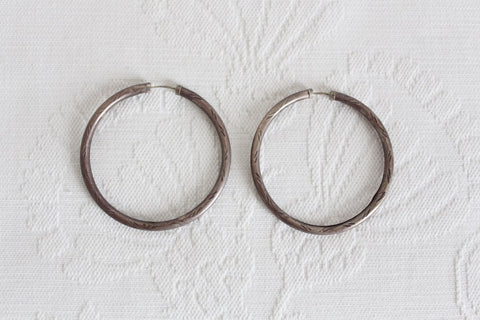 VINTAGE SILVER ENGRAVED OVERSIZE HOOP EARRINGS